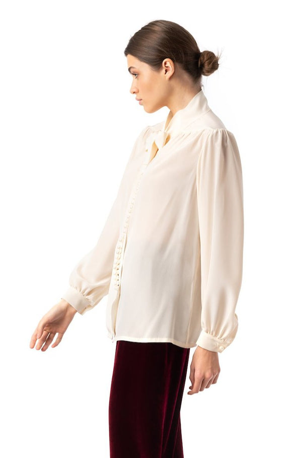 ''Silky Weekend'' Blouse with pearl buttons - Castlebird Rose