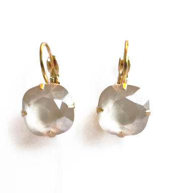 10MM Ivory Cream Gold Plated Wired Earrings.