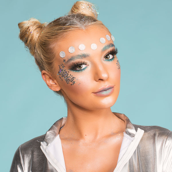 f30bdd83f6c We loved how this blue tinted alien turned out and are sure you'll all be  able to pull of this chic yet spooky look!