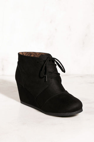 Edge Of Life Boots - Chocolate