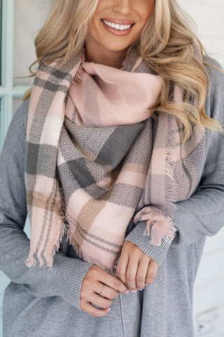 Goodbye Zig Zag Infinity Scarf in Peach