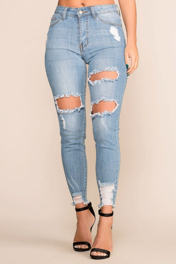 Priceless | Distressed | Light Wash | Skinny Jeans | Womens