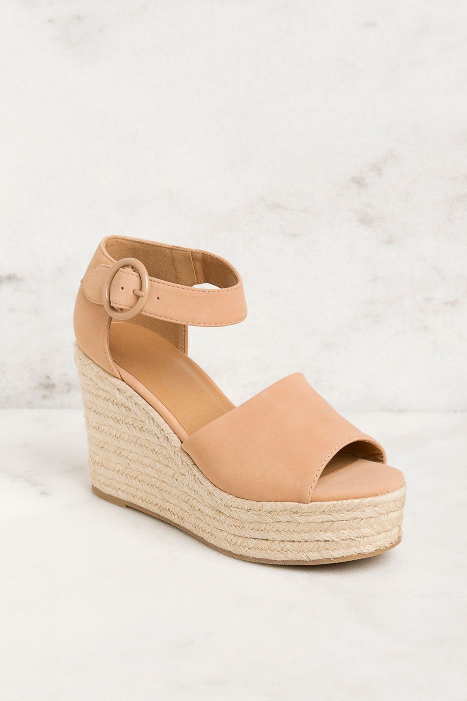 004a9400284 Head In The Clouds Light Tan Wedges
