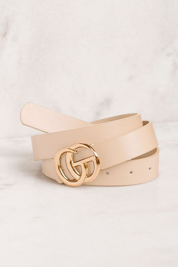 Ivory Belt with GG Medallion Clasp