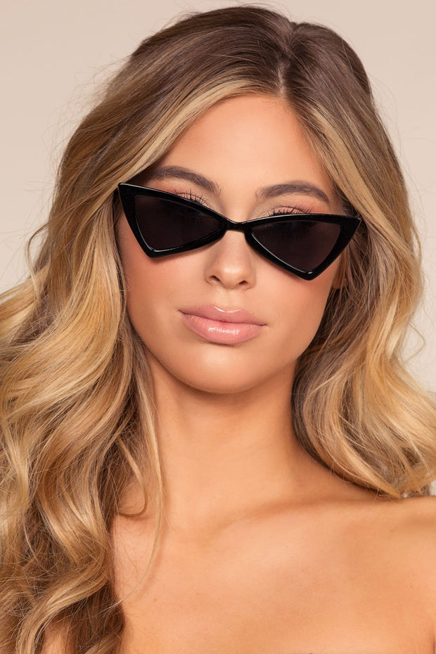 Black Chunky Diamond Shape Sunglasses