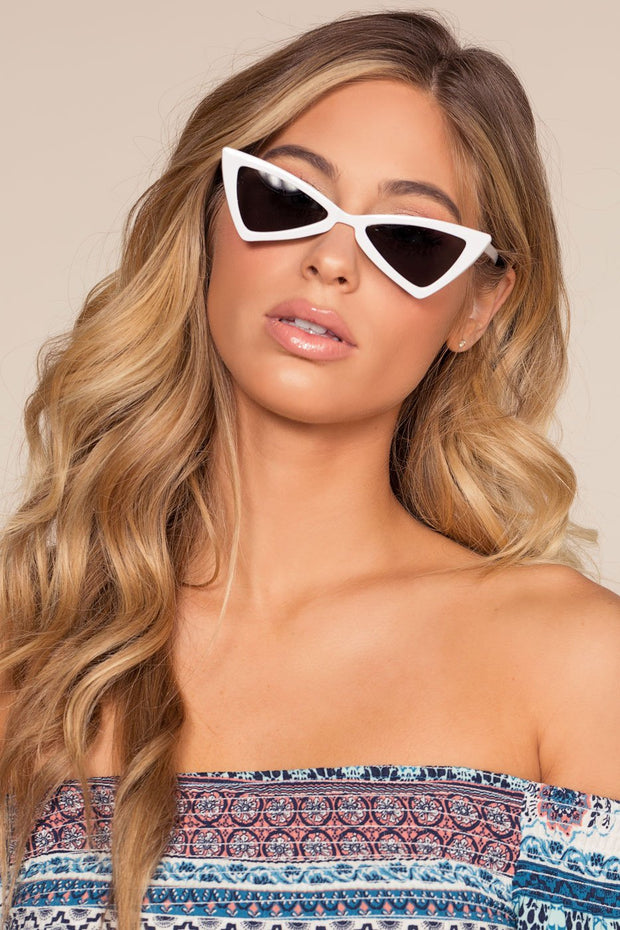 Accessories - Chic Me Out Sunglasses - White