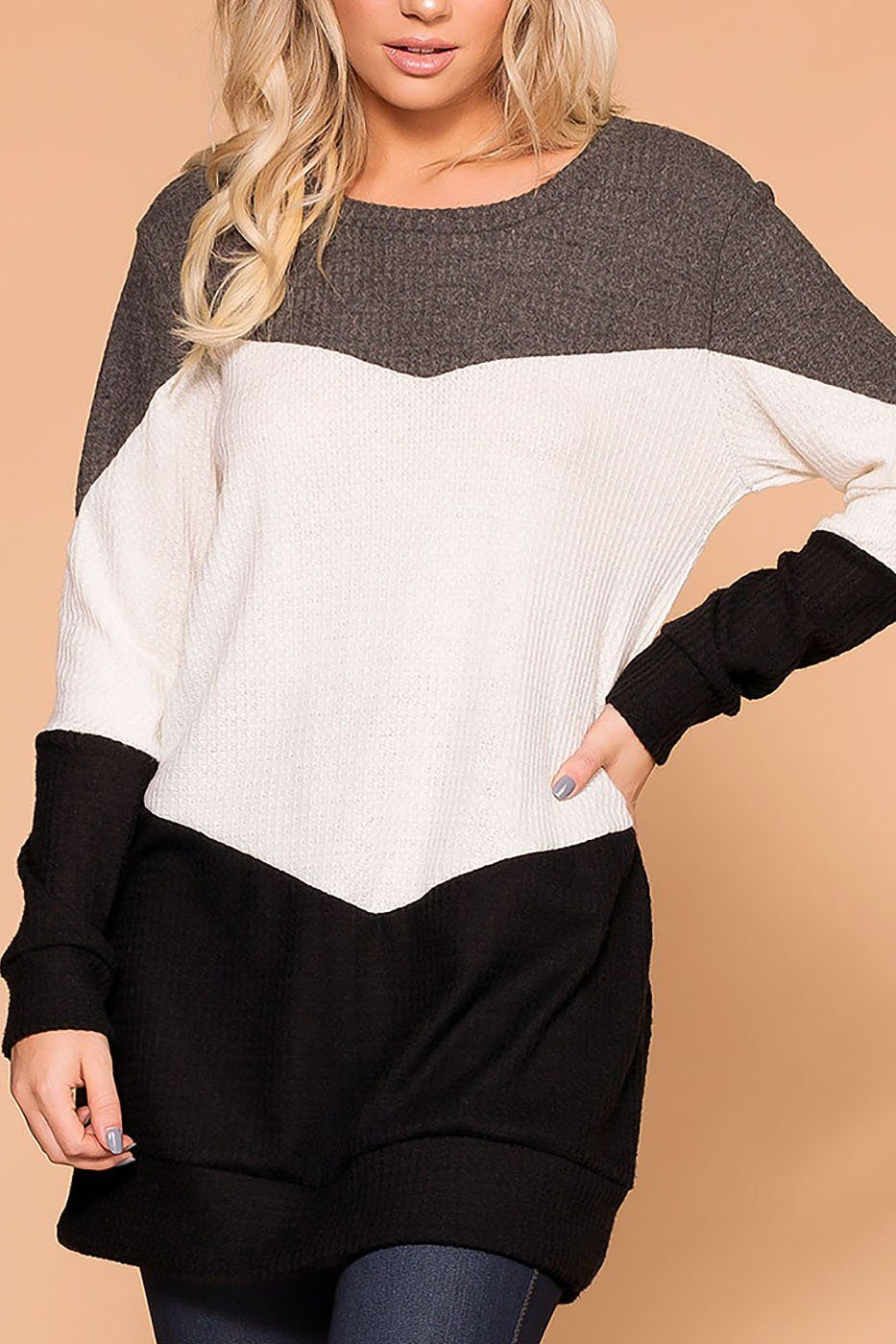 Izzy Charcoal Colorblock Top | Veveret