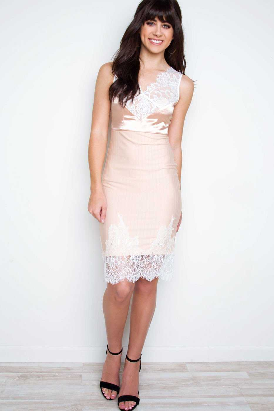 Dresses - C'est La Vie Lace Dress