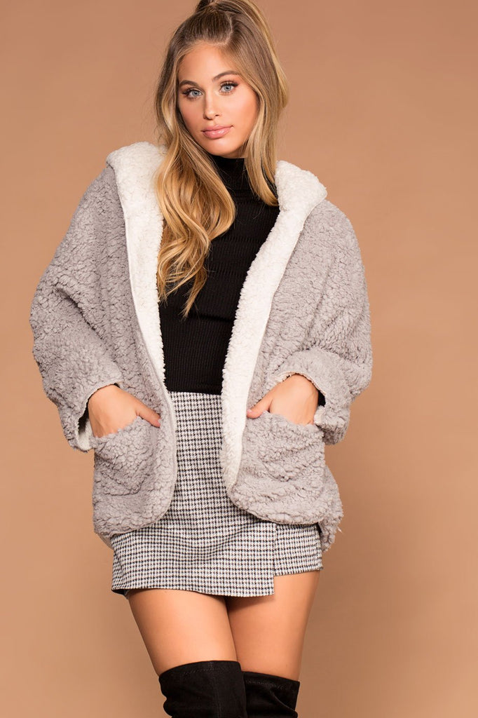 Campfire Reversible Ivory And Grey Sherpa Jacket by Priceless