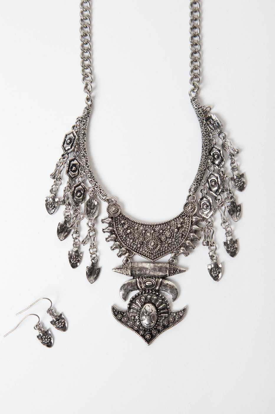 Jewelry - Wait For It Necklace Set