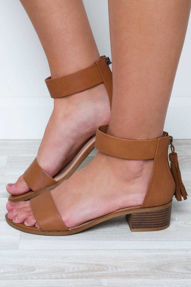Shoes - Daytime Sandals - Tan