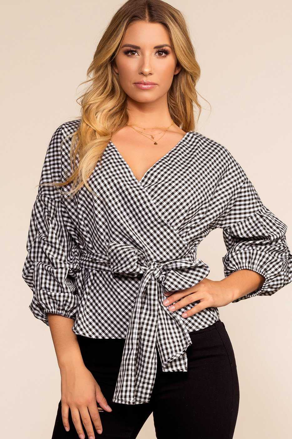 0dff37b514599 Checkmate Gingham Top