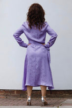 Load image into Gallery viewer, MIDI CHEMISIER DRESS IN SILK -LAVANDER