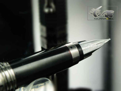 Montegrappa Fountain Pen Nero Uno Linea - Swarovski Crystals Montegrappa Fountain Pen