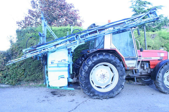 Mounted Berthoud Sprayer 21m with 1500L Tank