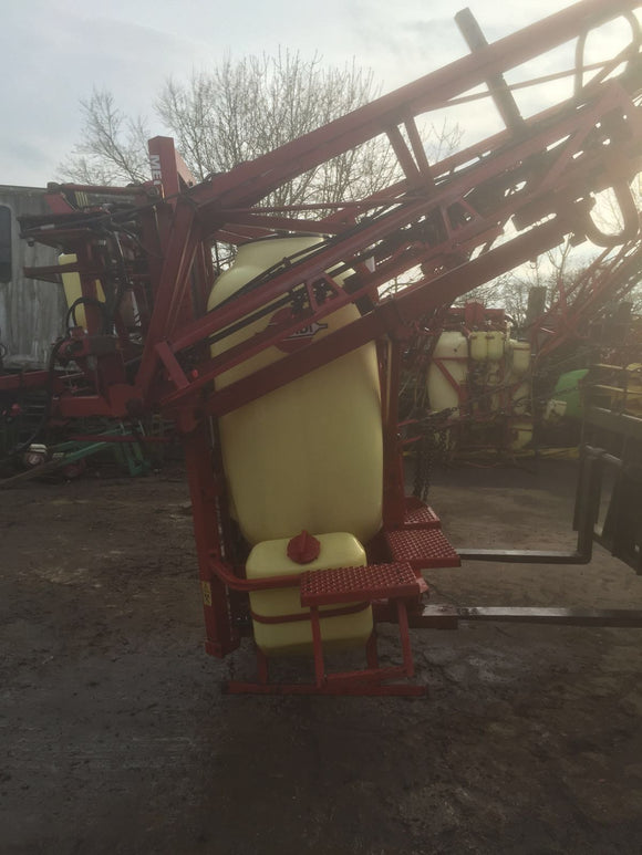 Mounted Hardi Sprayer 24m with 1100L tank