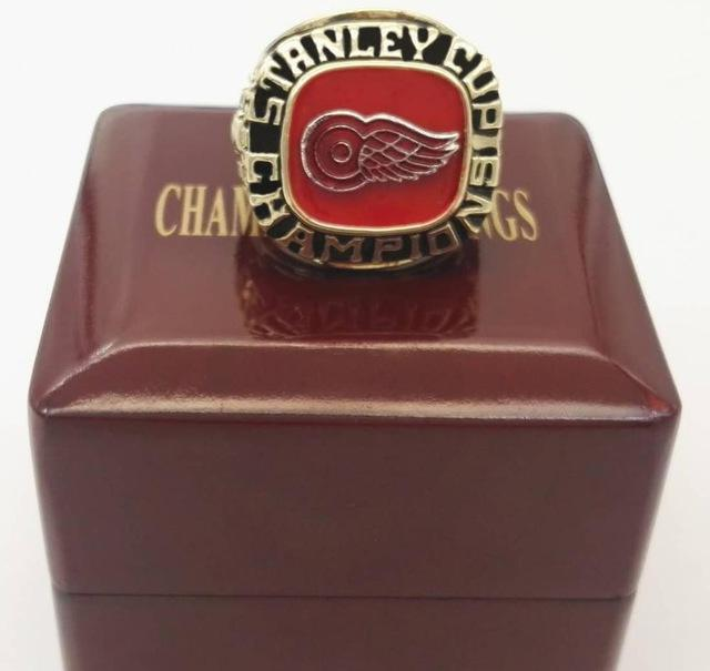 hot sale online ed3c3 cfa05 1997 Detroit Red Wings Stanley Cup Replica National Championship Ring