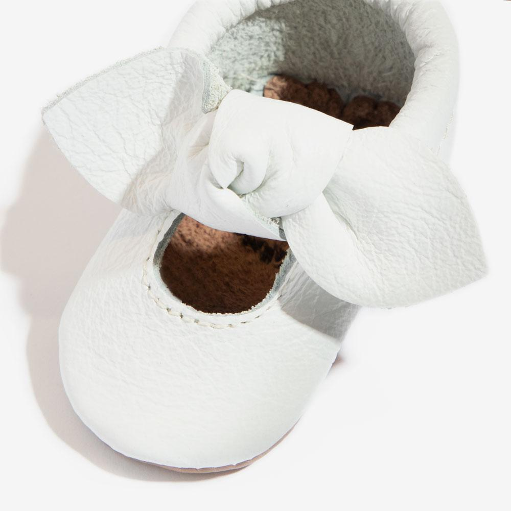 Newborn Bright White Knotted Bow Mocc Newborn Bow Mocc Soft Soles