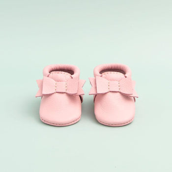 Newborn Rose Pink Bow Mocc newborn Soft Soles