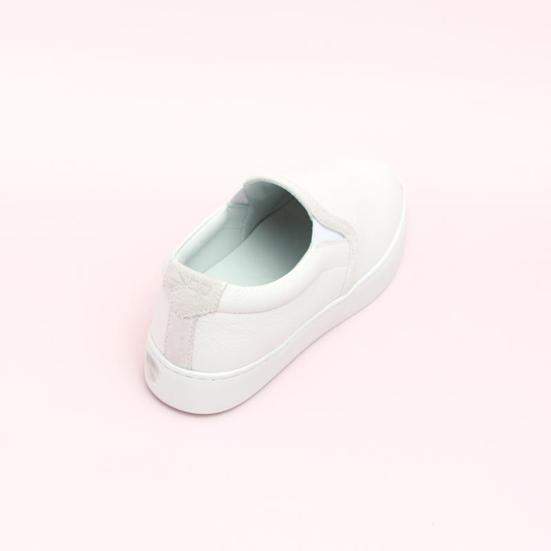 Women's White Slip-On Sneaker Women's - Slip-On Women's Sneakers