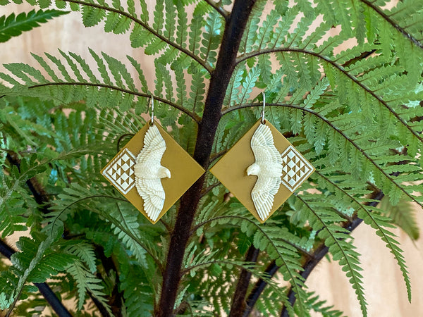 Aronui Kārearea Earrings- A fearless pursuit of knowledge
