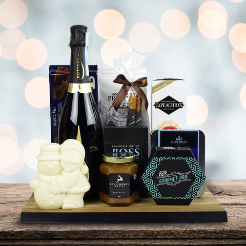 A Perfect Holiday Gift Set With Champagne