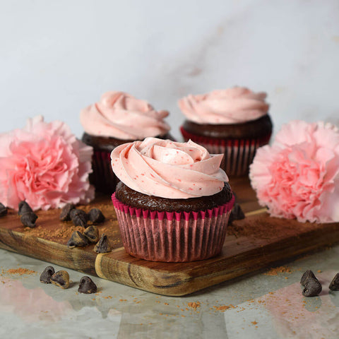 Chocolate & Strawberry Buttercream Cupcakes