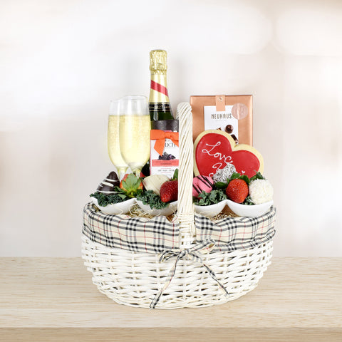 Champagne & Chocolate Dipped Strawberries Basket