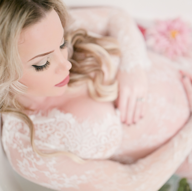 NO NATURAL LIGHT + TINY SPACE = MILK BATH TIPS & ADVICE FOR PHOTOGRAPHERS!