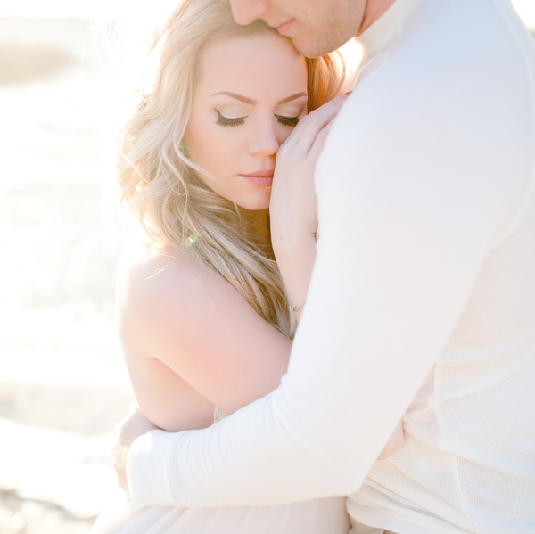 Lakeside Maternity Portraits With Modern Baby