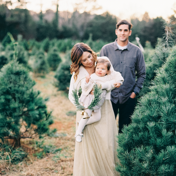Christmas Tree Family Session With Nikki Santerre