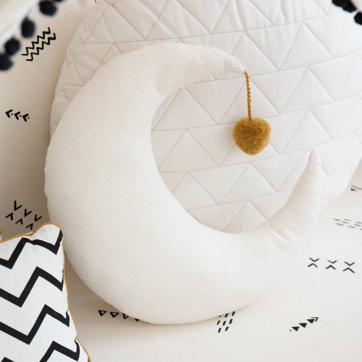 Natural Pierrot Moon Cushion