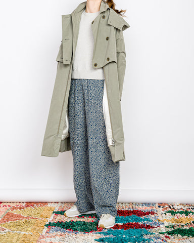 Embassy of Bricks and Logs // Trenchcoat Kalmar Pale Olive