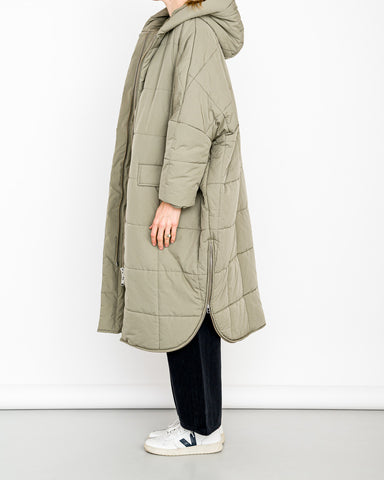 Embassy Of Bricks And Logs // Vegane Winterjacke Saskatoon Pale Olive