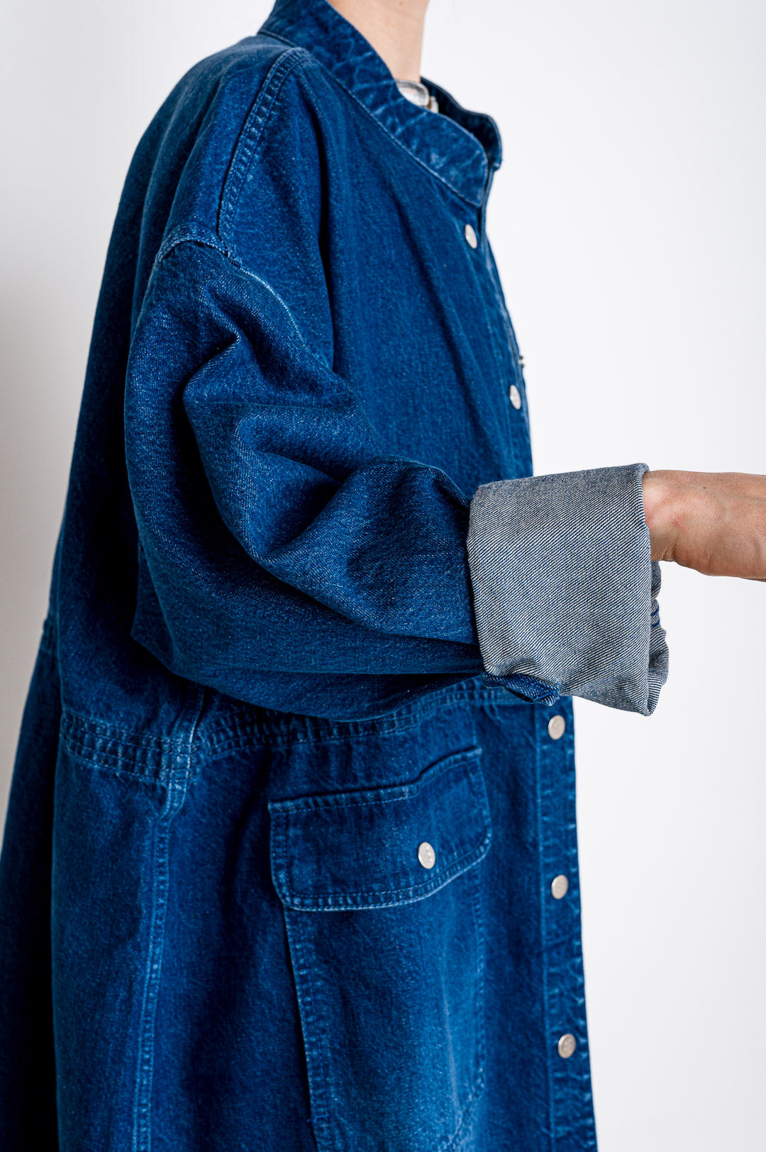 Embassy of Bricks and Logs // Jeansjacke Nora Denim Coat Mid Blue