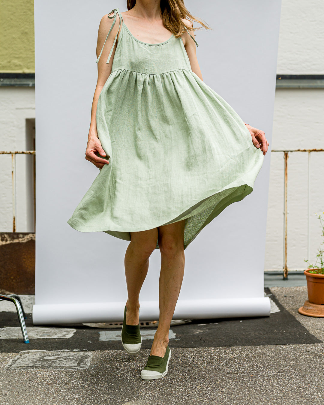 OFFON CLOTHING // Kleidchen Ruffled Sage Green