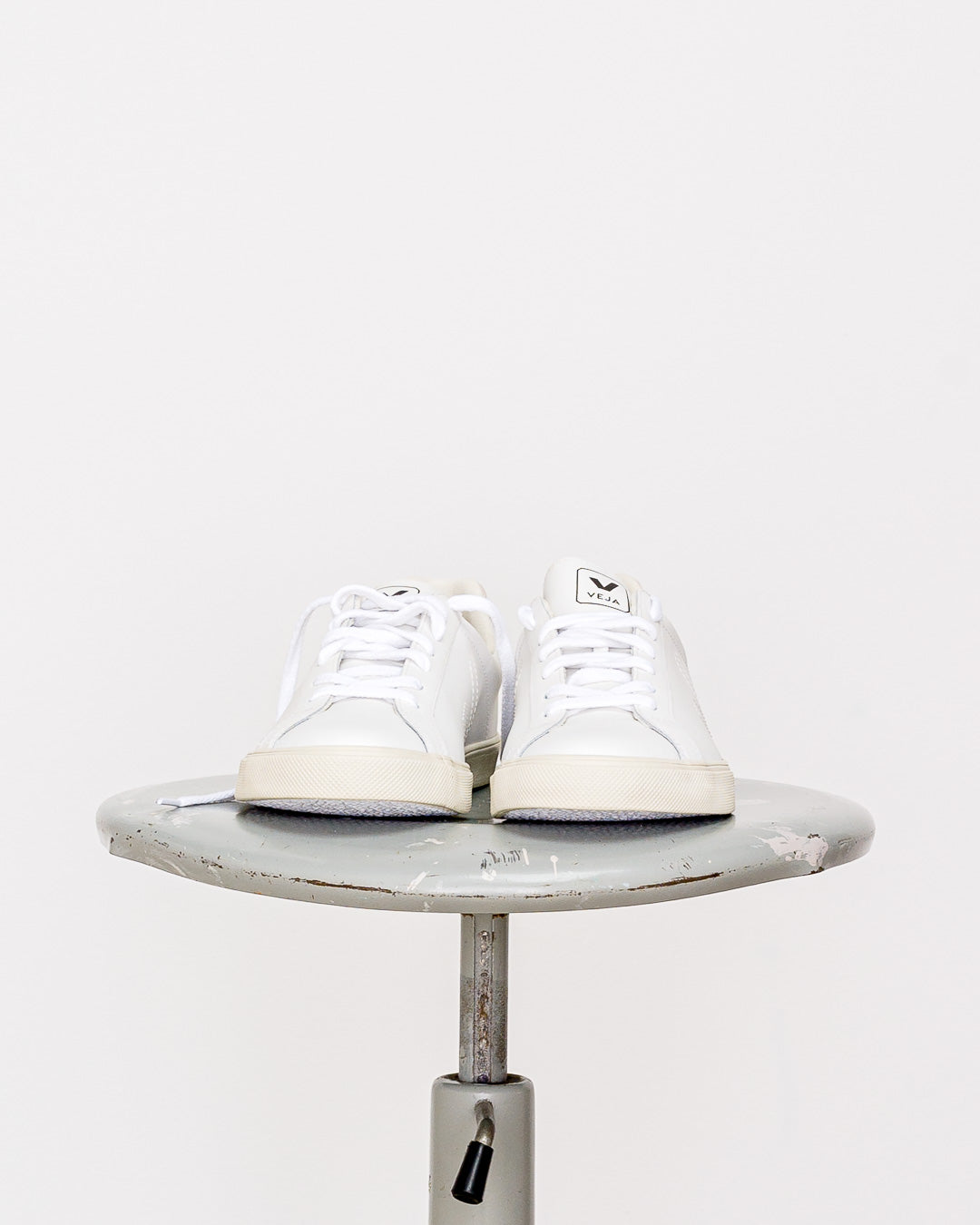 Veja Men // Sneaker Esplar Leather Extra White