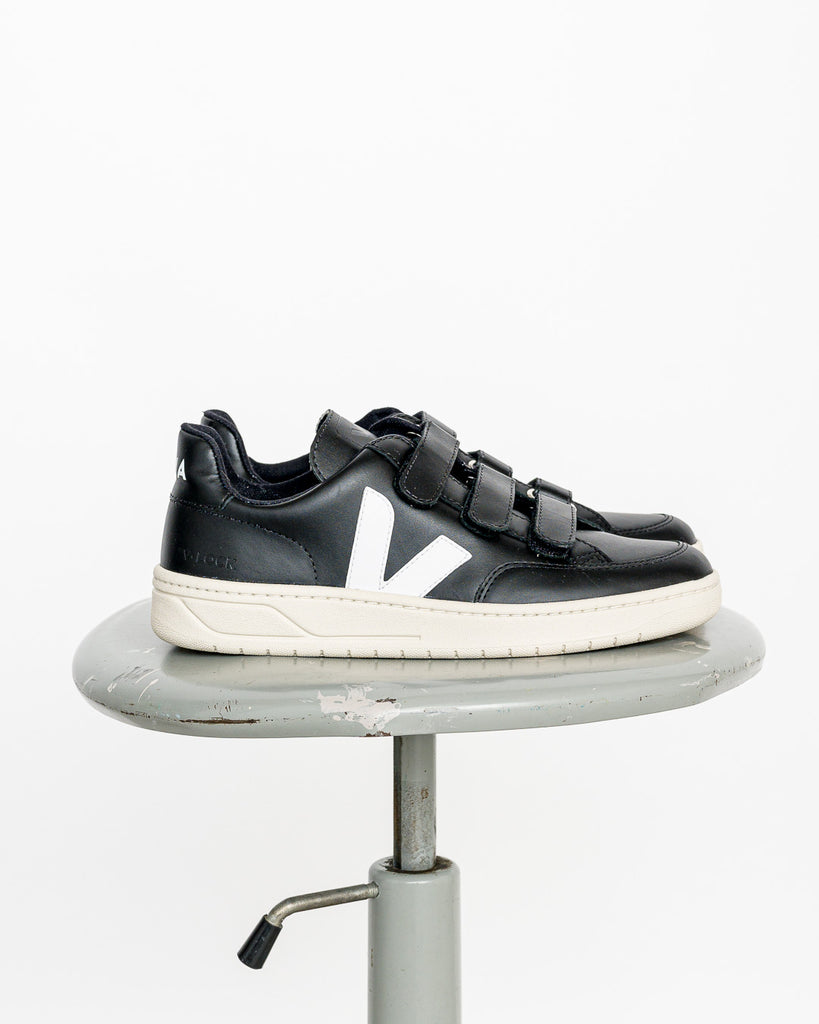 VEJA  // Sneaker V-lock Leather Black White