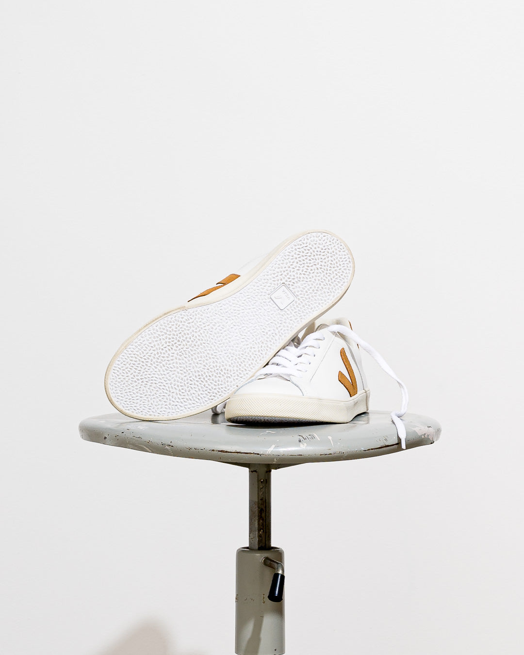 Veja  // Sneaker Esplar Leather White Camel