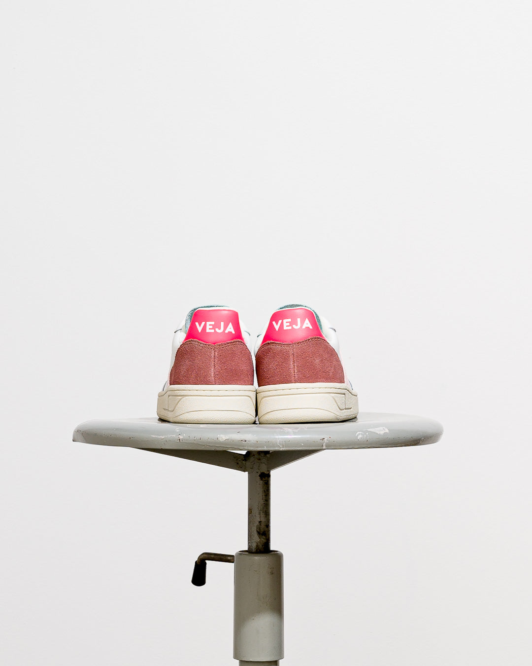 Veja  // Sneaker V-10 Leather White Petale Rose Fluo