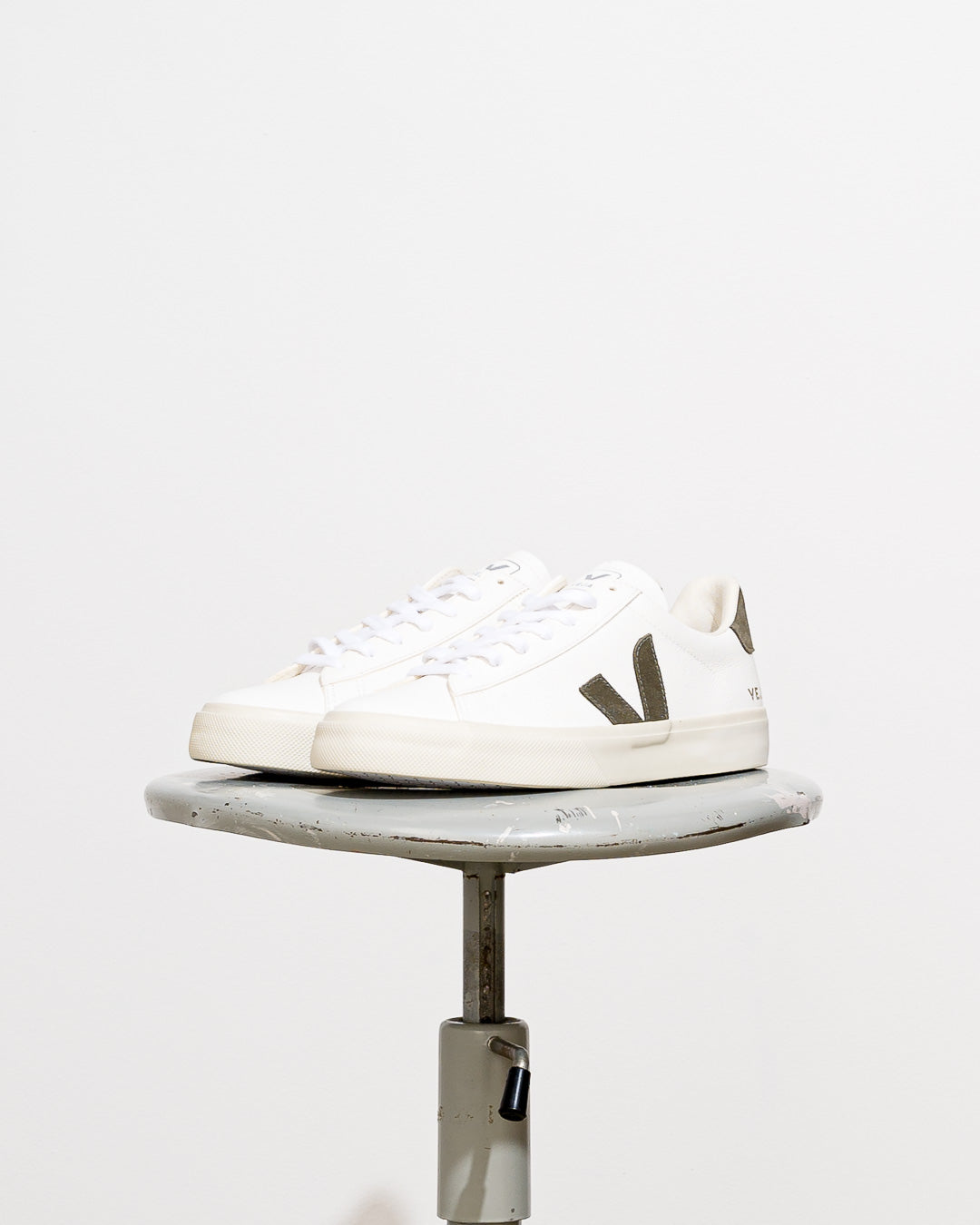 Veja Men // Sneaker Campo Leather White Kaki