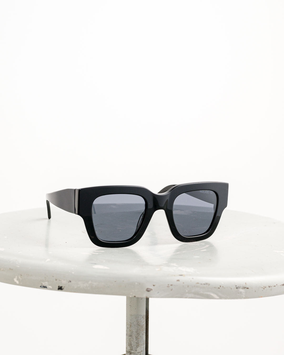 Waiting for the Sun // Sonnenbrille Radelaide Black