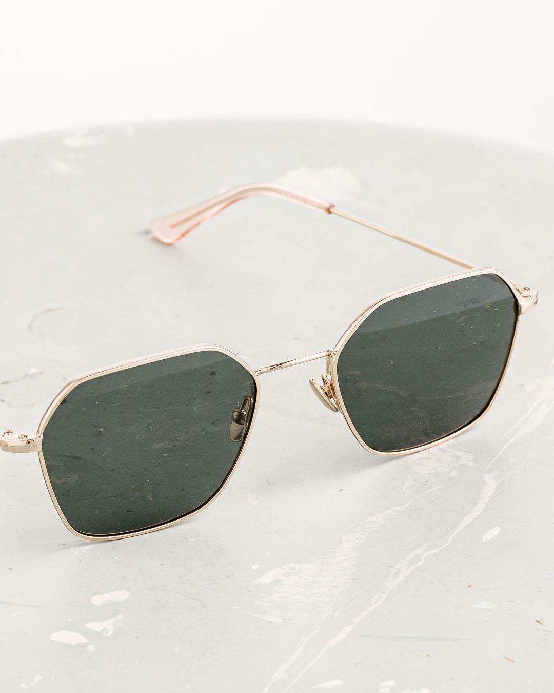 Waiting for the Sun // Sonnenbrille Acapulco Pale Gold
