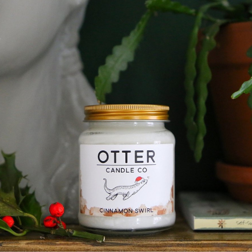 Otter Candle Co. - Christmas Candle with Cinnamon
