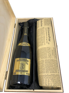 Vintage Champagne & Historical Newspaper Gift Set. - Cambridge Deli
