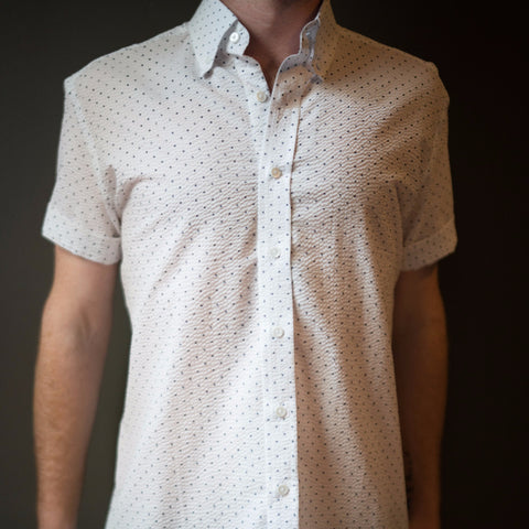 The Short Sleeve Seersucker Dot