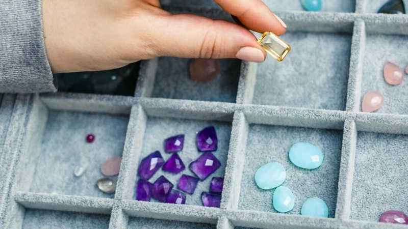 A jewellers guide to buying gemstones abroad