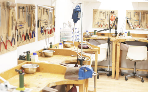 workbenches at the london jewellery school