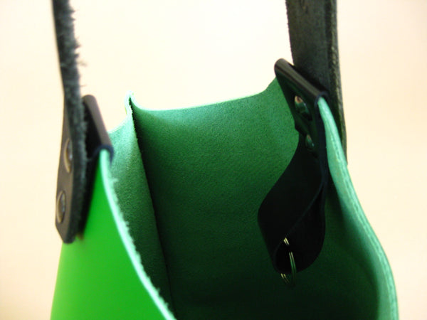 Wedge bag - Fresh lime leather