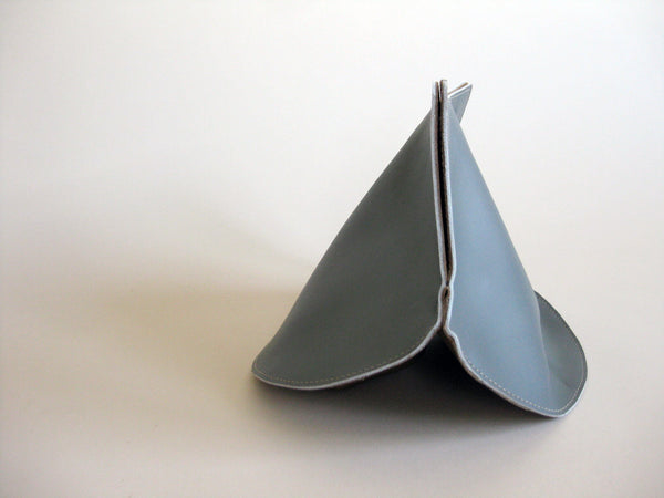 Petal Clutch - Smooth gray leather